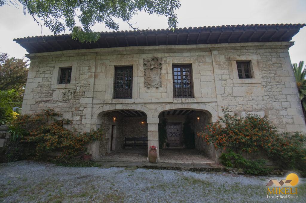 Casa típica de piedra en venta en Cantabria